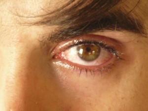 micropigmentación masculina ojos